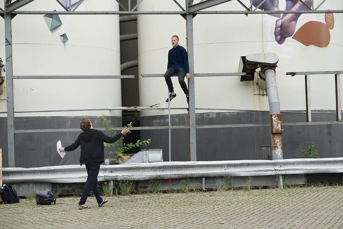 2008- 2018 - SOLOS HNDL WTH CR - repeitie Swing theater op locatie voorstelling met regisseur Daniel van Duijvenbooden en acteur Jelle Mensink.