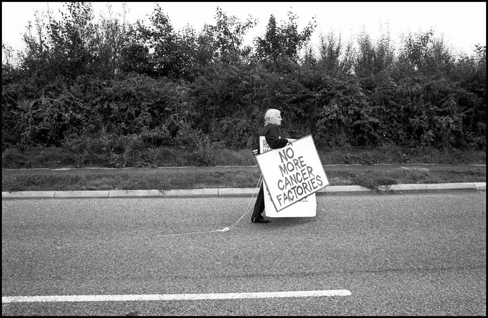 1994- SELLAFIELD NUCLEAR - Peace protester Catherina Barne