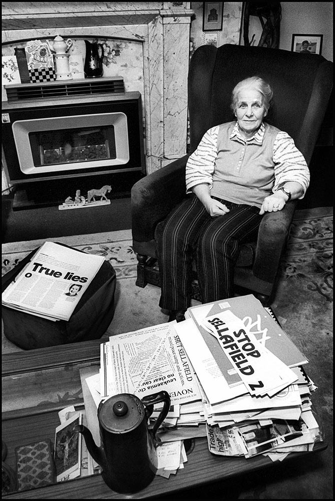 1994- SELLAFIELD NUCLEAR - Peace protester Catherina Barnes at home