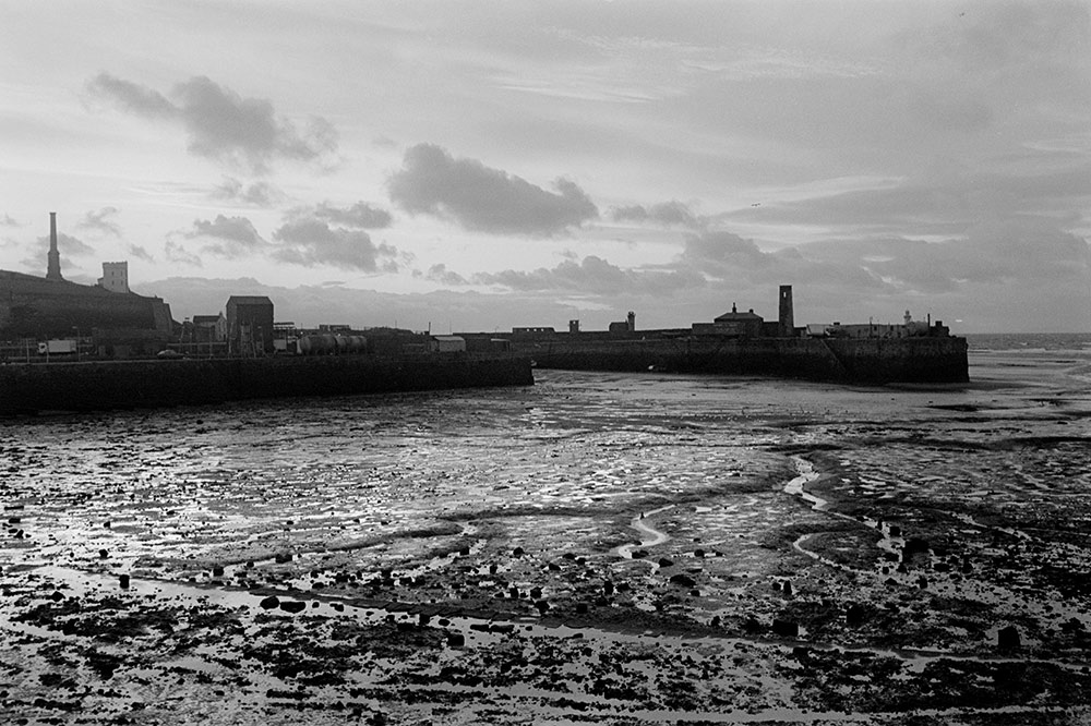 1994- SELLAFIELD NUCLEAR - Fishermen and residents are convinced the silt in the harbour is nuclear contaminated