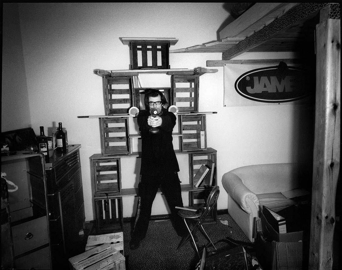 2000-2007 - INDIVIDUALS BERLIN - Mex Schlüpfer - Artiesten, dagdieven, geluks ridders en goudzoekers in Berlijn na de eeuwwisseling / Artists, day thieves, lucky knights and gold diggers in Berlin after the turn of the century