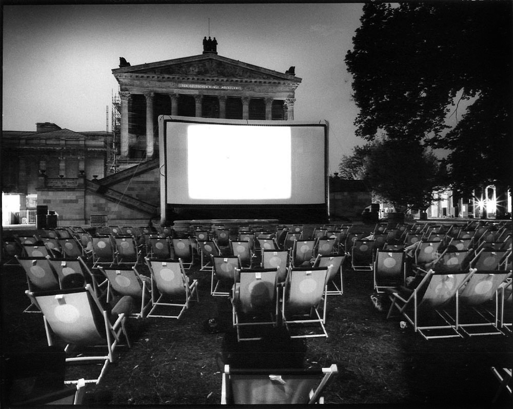 2000-2007- Berlijn - FANTASYBERLIN - outdoor cinema in front of Alte National Galerie, Museumsinsel